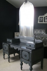 74631eae700843cb0ee980efa6ab3d4a--paint-furniture-black-painting-furniture