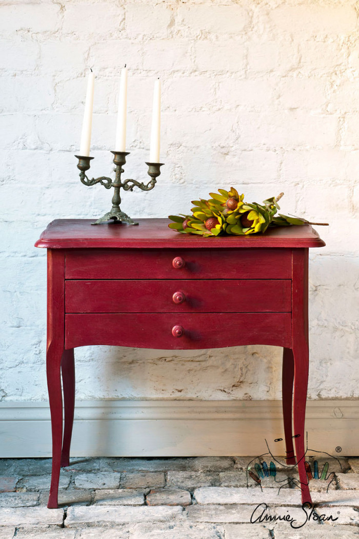 Burgundy Annie Sloan Chalk Paint™ festék