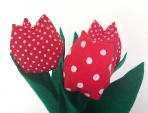Cum cosi lalele din material textil